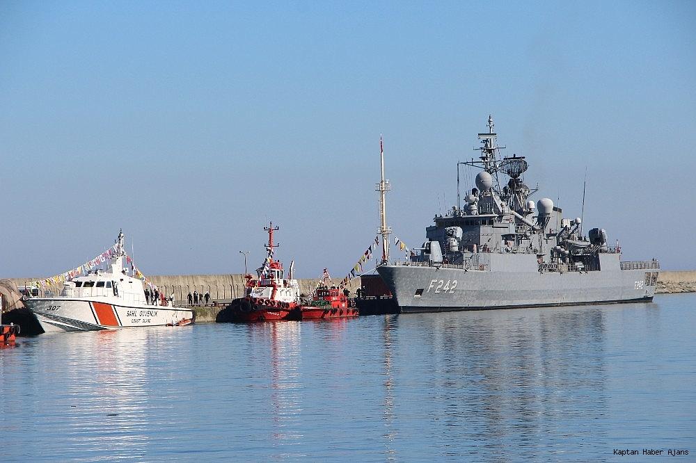 2019/02/trabzonda-kurulan-deniz-ussunun-ilk-askeri-gemisi-demirledi-20190220AW62-1.jpg