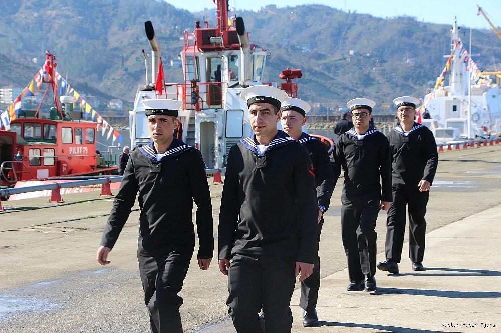 2019/02/trabzonda-kurulan-deniz-ussunun-ilk-askeri-gemisi-demirledi-20190220AW62-12.jpg