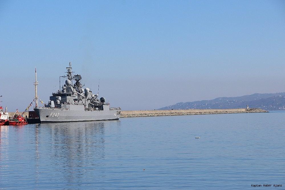 2019/02/trabzonda-kurulan-deniz-ussunun-ilk-askeri-gemisi-demirledi-20190220AW62-2.jpg