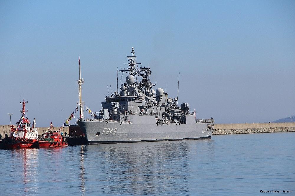 2019/02/trabzonda-kurulan-deniz-ussunun-ilk-askeri-gemisi-demirledi-20190220AW62-3.jpg