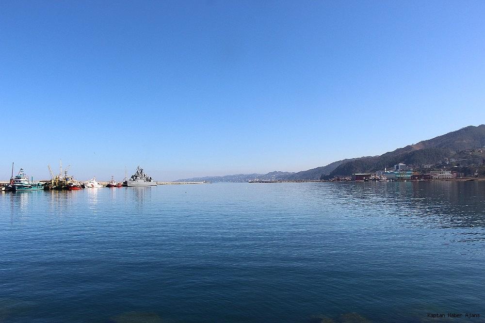 2019/02/trabzonda-kurulan-deniz-ussunun-ilk-askeri-gemisi-demirledi-20190220AW62-4.jpg