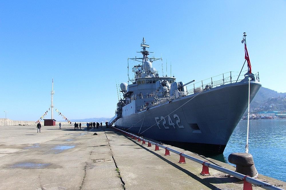 2019/02/trabzonda-kurulan-deniz-ussunun-ilk-askeri-gemisi-demirledi-20190220AW62-6.jpg