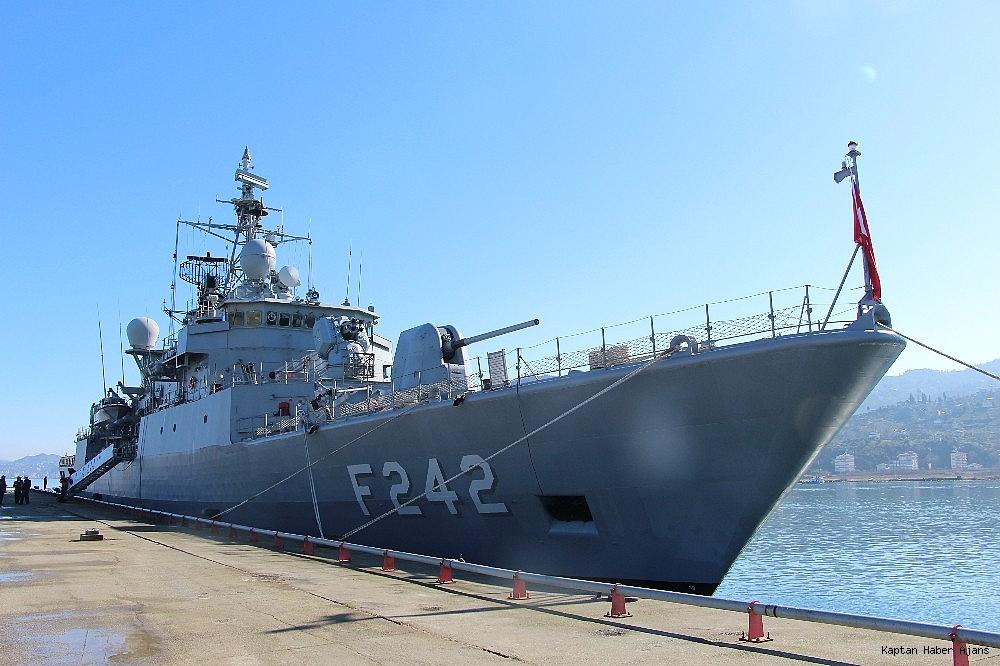 2019/02/trabzonda-kurulan-deniz-ussunun-ilk-askeri-gemisi-demirledi-20190220AW62-7.jpg