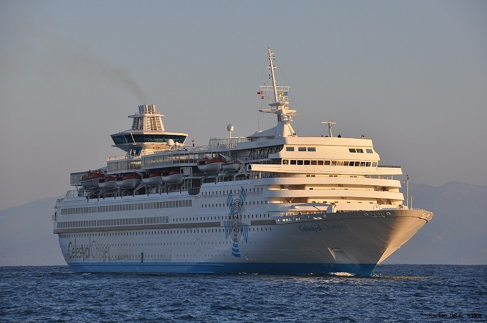 2019/03/kusadasina-sezonun-ikinci-turist-gemisi-geldi-20190316AW65-2.jpg