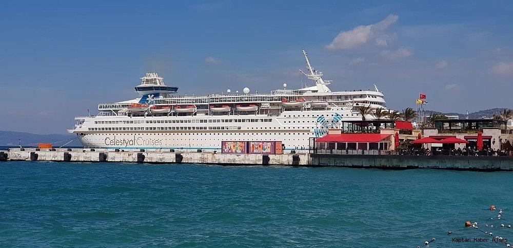 2019/03/kusadasina-sezonun-ikinci-turist-gemisi-geldi-20190316AW65-6.jpg