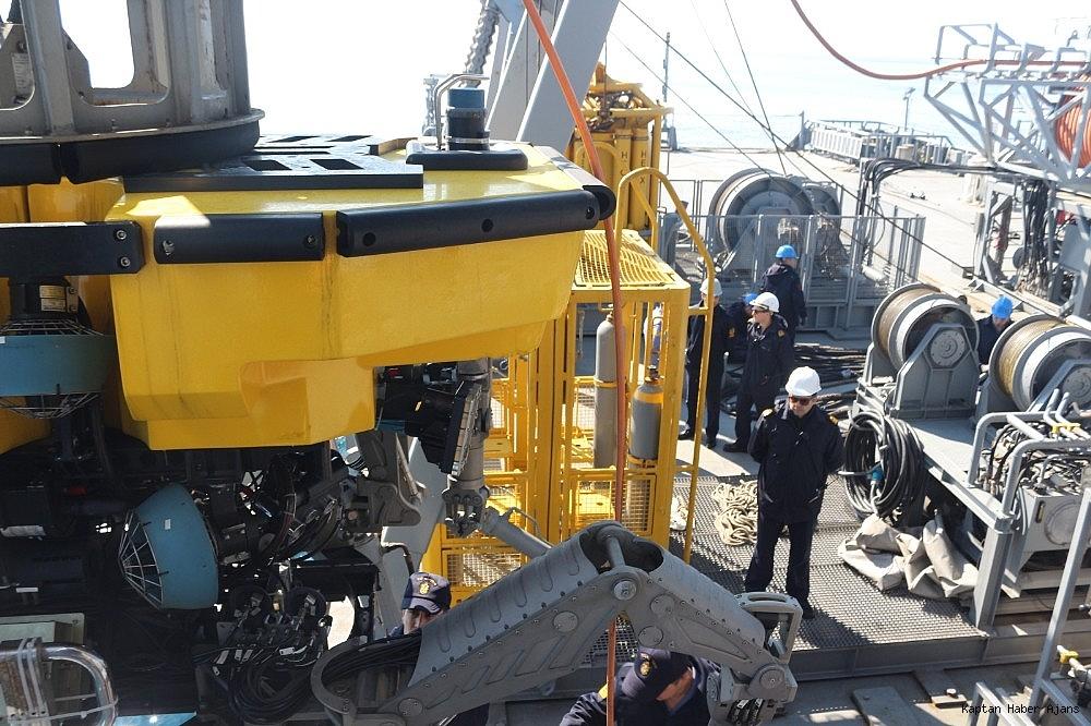 2019/03/mavi-vatan-2019-tatbikatinda-denizaltindan-personel-kurtarma-egitimi-20190305AW63-5.jpg