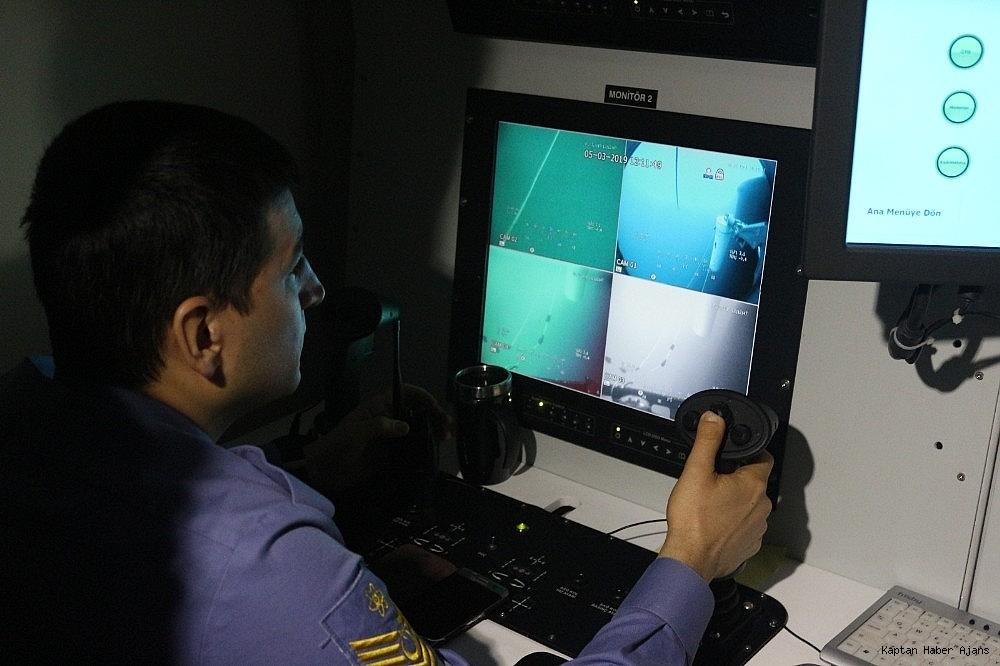 2019/03/mavi-vatan-2019-tatbikatinda-denizaltindan-personel-kurtarma-egitimi-20190305AW63-6.jpg