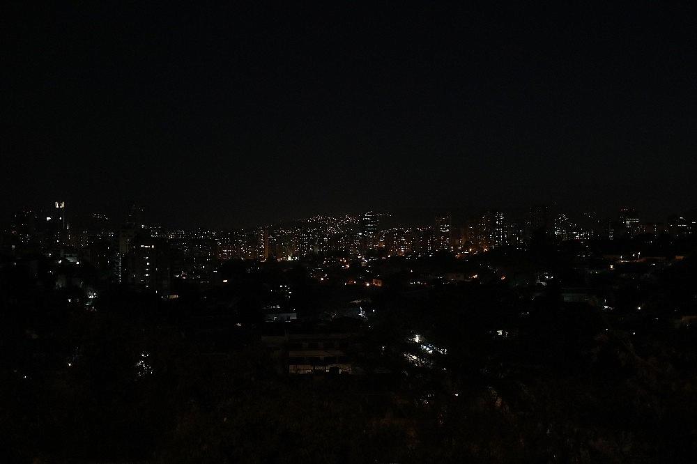 2019/03/venezuela-100-saatten-fazladir-elektriksiz-20190312AW64-1.jpg
