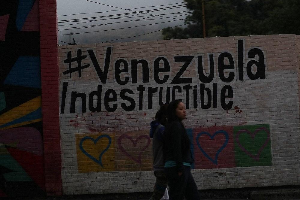 2019/03/venezuela-100-saatten-fazladir-elektriksiz-20190312AW64-6.jpg