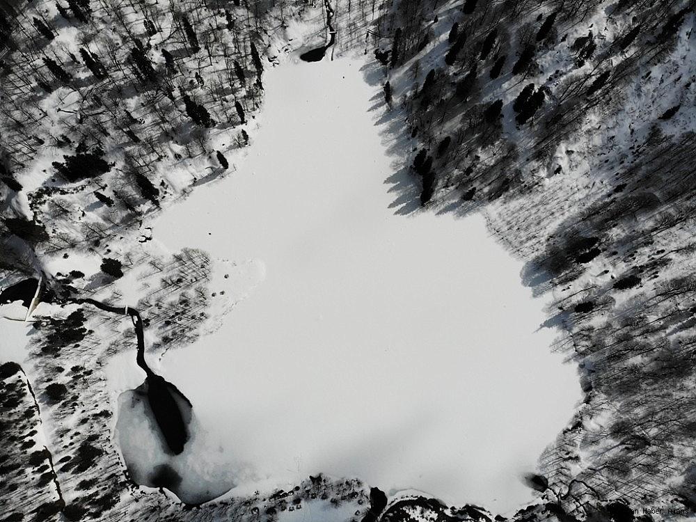 2019/04/havalar-isiniyor-ama-karagol-buz-gibi-20190409AW67-1.jpg