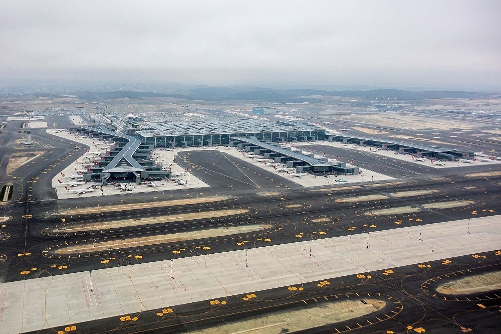 2019/04/istanbul-havalimanindaki-son-durum-havadan-goruntulendi-20190407AW66-3.jpg