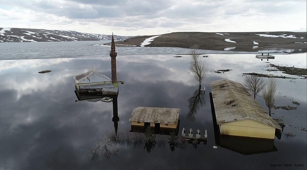 2019/04/karsta-sular-altinda-kalan-cami-ilk-kez-havadan-goruntulendi-20190407AW66-3.jpg
