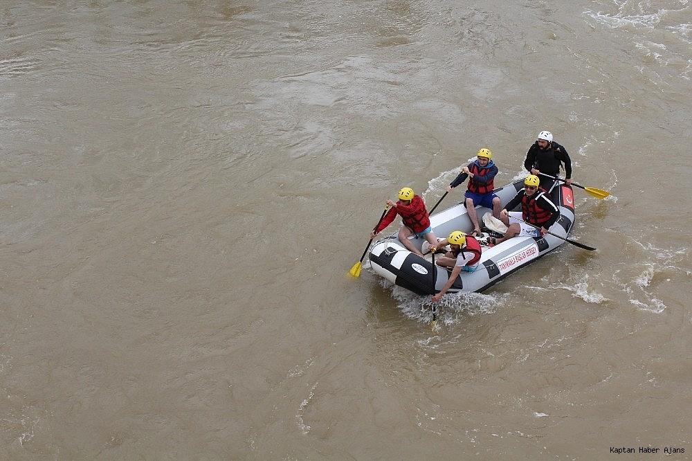 2019/04/murat-nehrinde-rafting-heyecani-20190424AW68-1.jpg