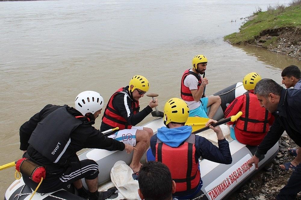 2019/04/murat-nehrinde-rafting-heyecani-20190424AW68-7.jpg