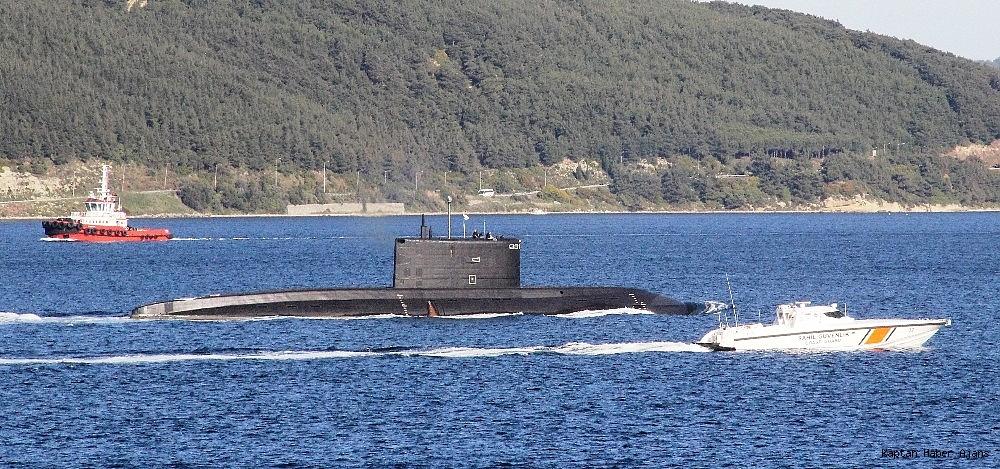 2019/04/rus-denizaltisi-canakkale-bogazindan-gecti-20190430AW68-1.jpg