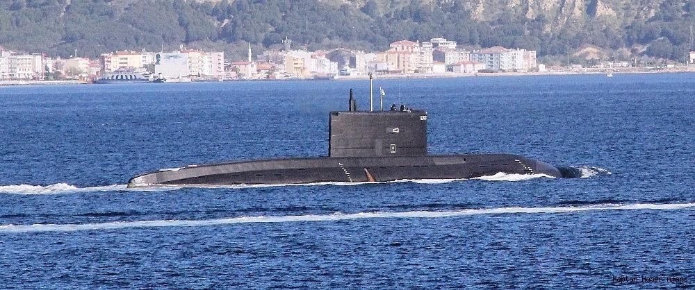 2019/04/rus-denizaltisi-canakkale-bogazindan-gecti-20190430AW68-3.jpg