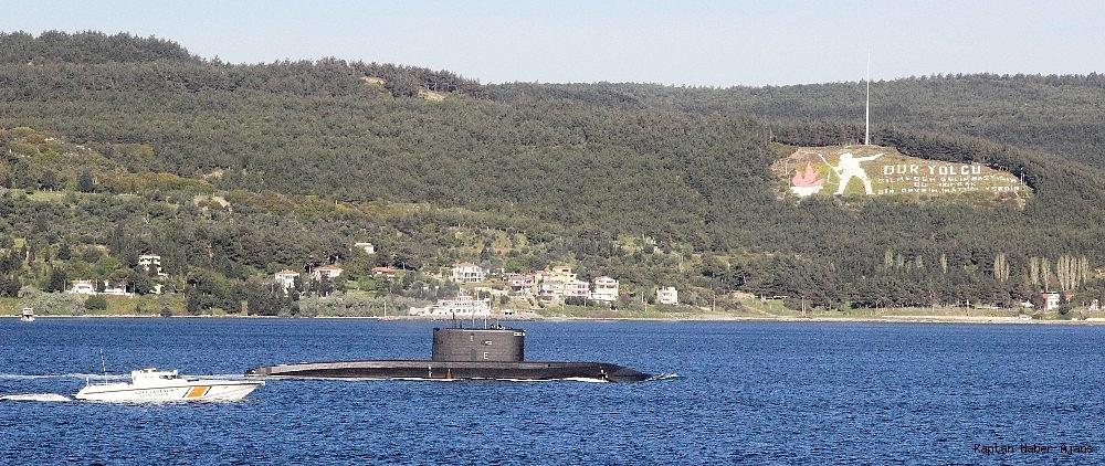 2019/04/rus-denizaltisi-canakkale-bogazindan-gecti-20190430AW68-4.jpg