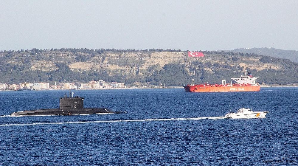 2019/04/rus-denizaltisi-canakkale-bogazindan-gecti-20190430AW68-6.jpg