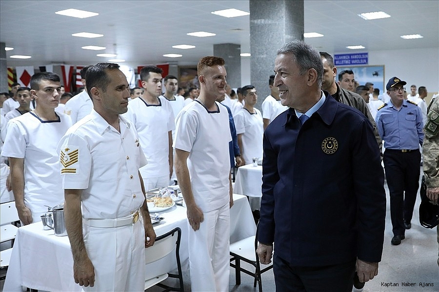 2019/05/akar-beraberinde-komutanlarla-denizkurdu-2019-tatbikatinin-seckin-gozlemci-gunune-katildi-20190525AW71-12.jpg