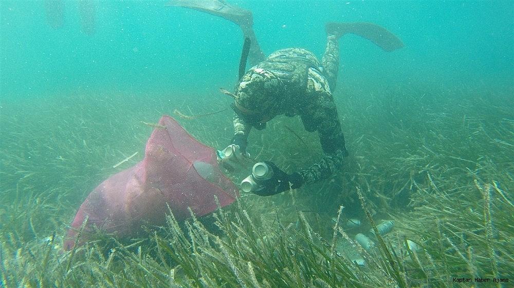 2019/05/buyukler-denizin-dibini-cocuklar-sahilleri-temizledi-20190531AW71-1.jpg