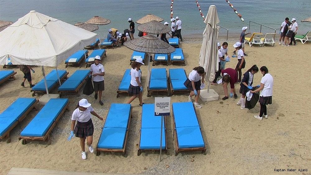2019/05/buyukler-denizin-dibini-cocuklar-sahilleri-temizledi-20190531AW71-5.jpg