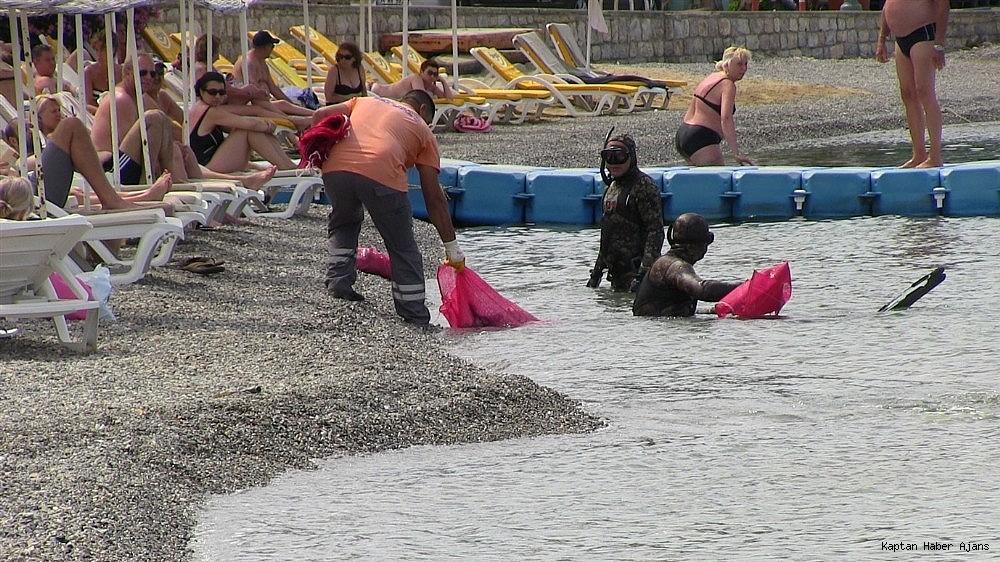 2019/05/buyukler-denizin-dibini-cocuklar-sahilleri-temizledi-20190531AW71-6.jpg