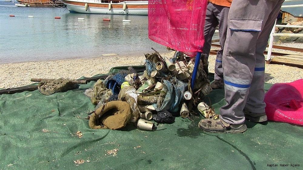 2019/05/buyukler-denizin-dibini-cocuklar-sahilleri-temizledi-20190531AW71-7.jpg