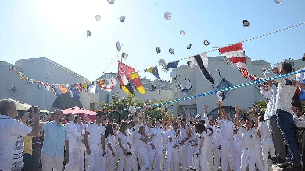 2019/05/denizde-mezuniyet-coskusu-20190530AW71-3.jpg