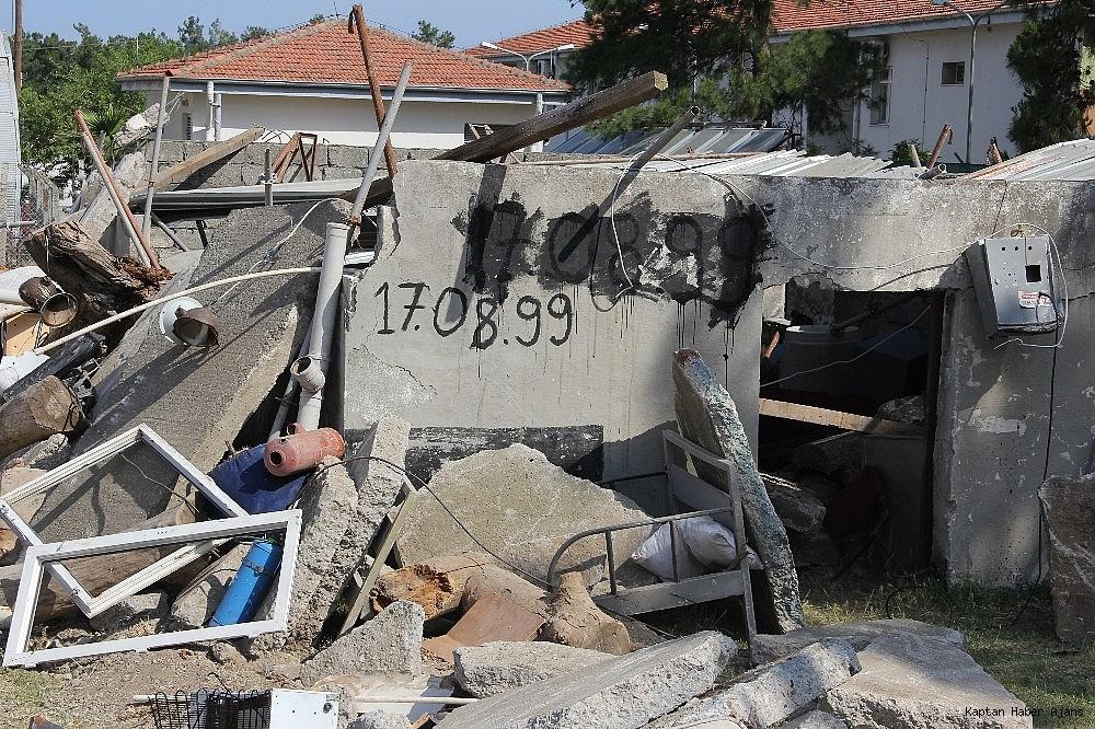 2019/05/denizkurdu-2019da-gercegini-aratmayan-deprem-tatbikati-20190519AW70-4.jpg