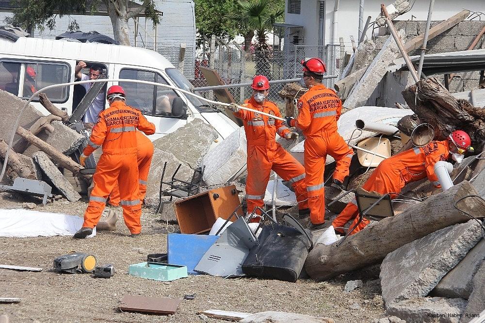 2019/05/denizkurdu-2019da-gercegini-aratmayan-deprem-tatbikati-20190519AW70-7.jpg