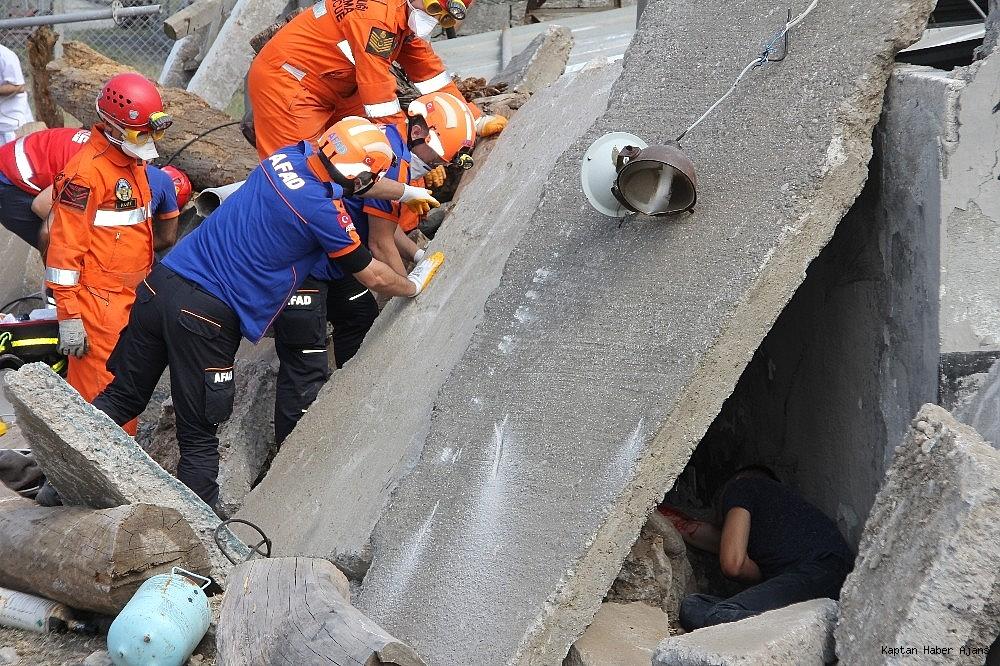 2019/05/denizkurdu-2019da-gercegini-aratmayan-deprem-tatbikati-20190519AW70-9.jpg