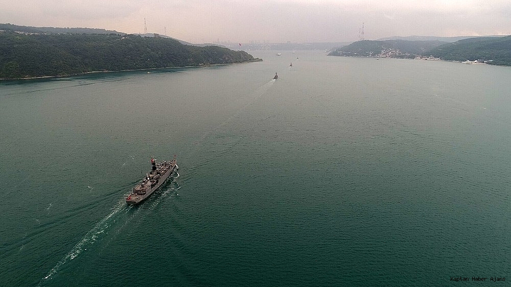 2019/05/donanma-gemileri-istanbul-bogazindan-geciyor-20190525AW71-2.jpg