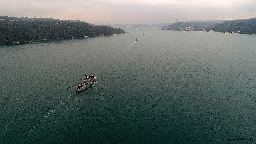 2019/05/donanma-gemileri-istanbul-bogazindan-geciyor-20190525AW71-3.jpg