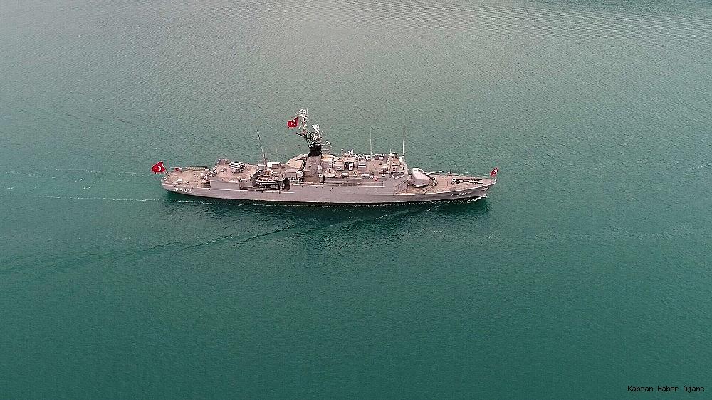 2019/05/donanma-gemileri-istanbul-bogazindan-geciyor-20190525AW71-4.jpg