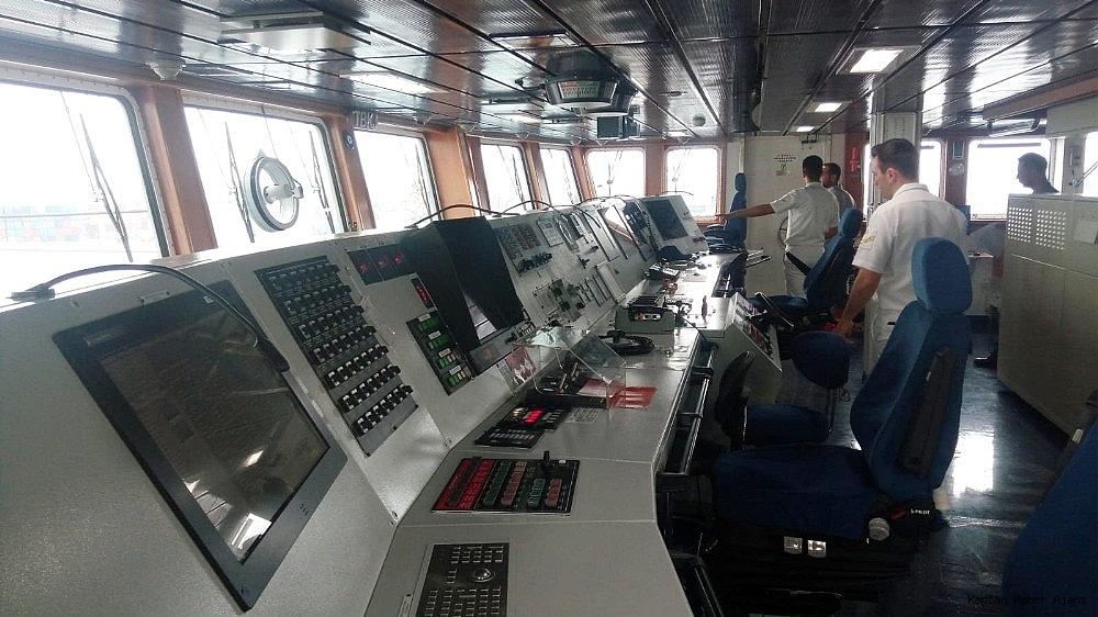 2019/05/dunyanin-en-buyuk-amfibi-cikarma-gemilerinden-tcg-sancaktar-ziyarete-acildi-20190521AW70-6.jpg
