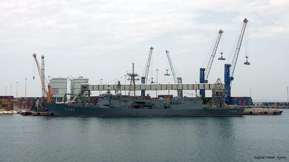 2019/05/dunyanin-en-buyuk-amfibi-cikarma-gemilerinden-tcg-sancaktar-ziyarete-acildi-20190521AW70-8.jpg