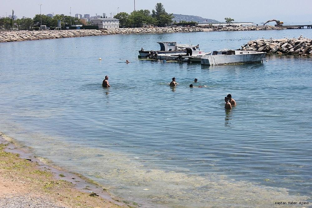 2019/05/istanbulda-sicaktan-bunalanlar-kendini-denize-atti-20190529AW71-5.jpg