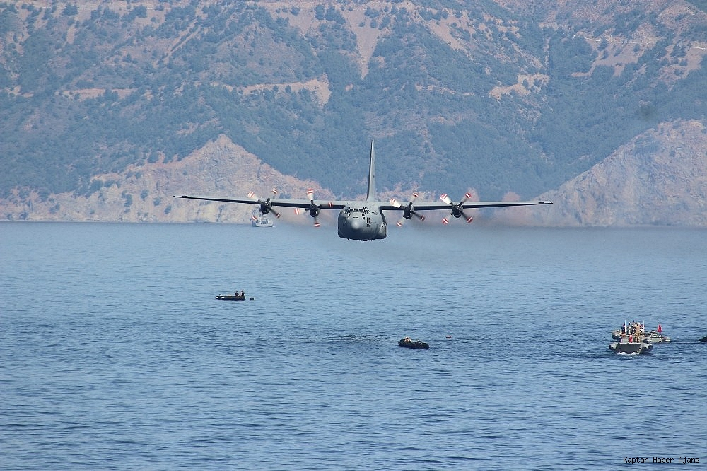 2019/05/kurtaran-2019da-denizalti-tahliye-ve-kurtarma-yardim-timi-goz-doldurdu-20190529AW71-4.jpg