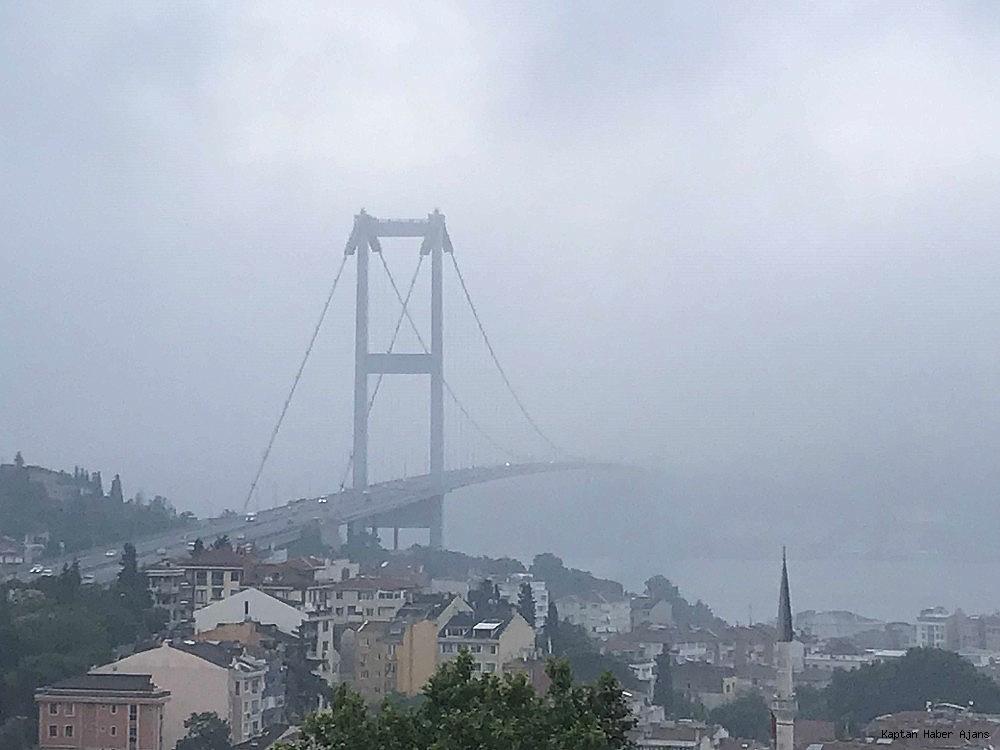 2019/06/istanbul-bogazindaki-kopruler-sis-nedeniyle-adeta-kayboldu-20190623AW73-2.jpg