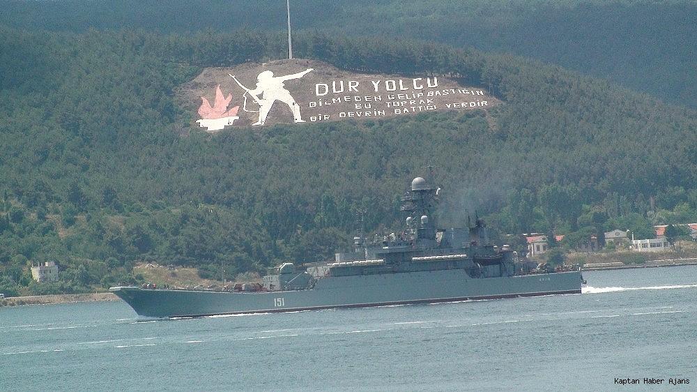 2019/06/rus-savas-gemileri-canakkaleden-gecti-20190614AW72-4.jpg