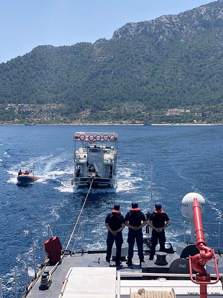 2019/06/su-alan-gezi-teknesi-yolcularini-ve-murettebatini-sahil-guvenlik-kurtardi-20190606AW72-1.jpg