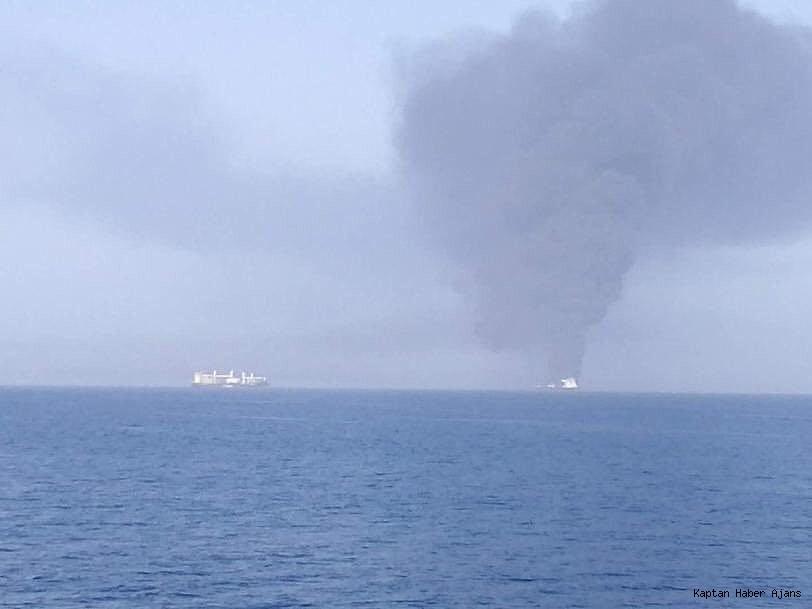 2019/06/uman-korfezindeki-tanker-yanginlari-petrol-fiyatlarini-yuzde-3-artirdi-20190613AW72-1.jpg