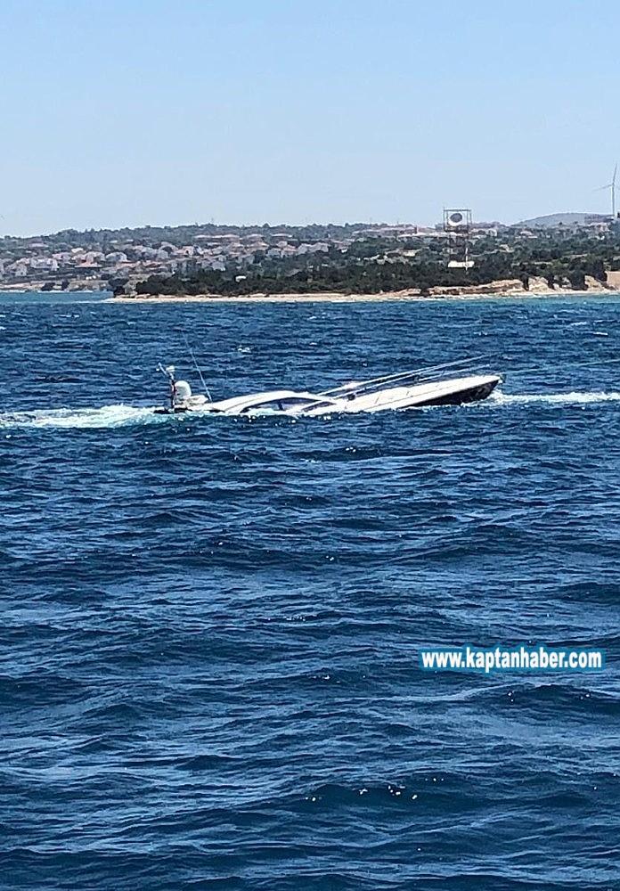 2019/07/cesmede-kaza-yapan-luks-tekneye-hayati-operasyon-5-kisi-kurtarildi-20190708AW74-1.jpg