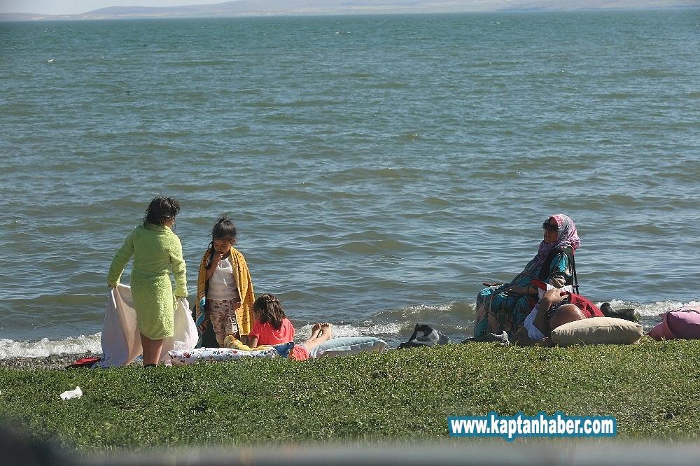 2019/08/cildir-golu-ege-ve-akdeniz-sahillerini-aratmiyor-20190815AW77-4.jpg