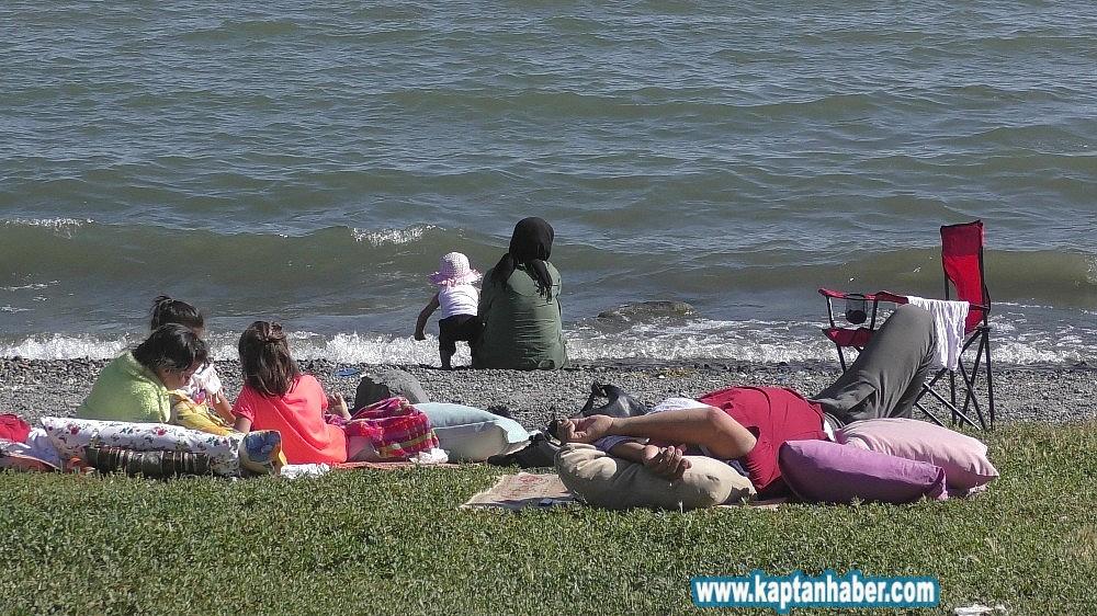 2019/08/cildir-golu-ege-ve-akdeniz-sahillerini-aratmiyor-20190815AW77-7.jpg