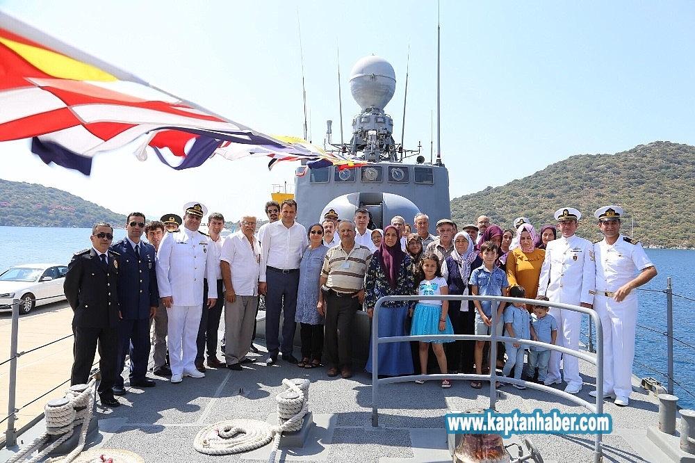 2019/08/kasta-askeri-gemi-ziyarete-acildi-20190830AW78-1.jpg
