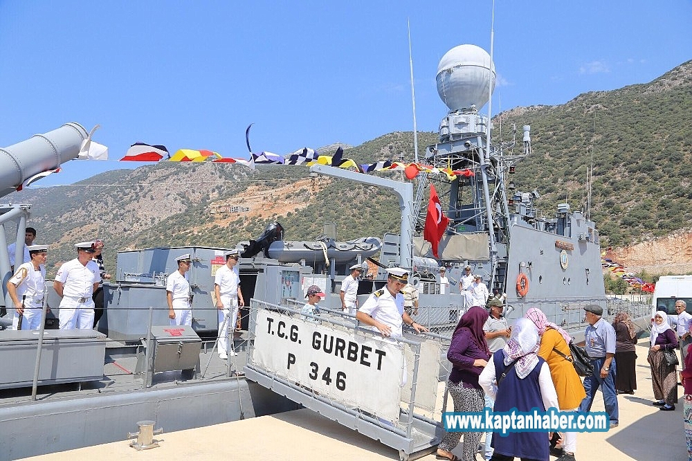 2019/08/kasta-askeri-gemi-ziyarete-acildi-20190830AW78-2.jpg