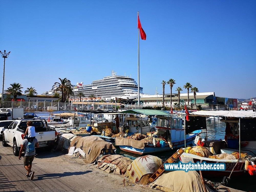 2019/08/kusadasina-bu-yil-198-turist-gemisi-sefer-yapacak-20190815AW77-1.jpg