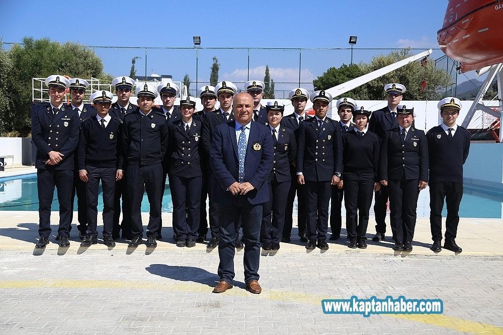 2019/08/ogrenciler-denizcilik-sektorune-tam-donanimli-hazirlaniyor-20190819AW78-2.jpg