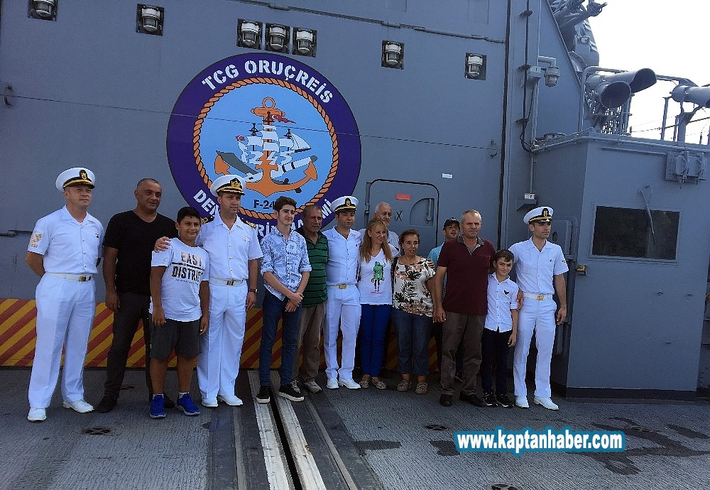 2019/08/tcg-oruc-reis-ve-tcg-guven-savas-gemileri-kapilarini-ziyaretcilere-acti-20190830AW78-1.jpg
